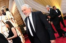 Các ngôi sao Hollywood kêu gọi mọi người đeo khẩu trang phòng COVID-19