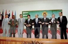 25 năm Việt Nam gia nhập ASEAN: Việt Nam vững bước trên đường hội nhập