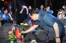 Bí thư Thành ủy Hà Nội thắp nến tri ân các anh hùng liệt sỹ