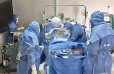 Hỗ trợ hai bệnh viện tuyến đầu ở Huế và Quảng Nam chống dịch COVID-19