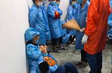 Quảng Ninh: Sáu công nhân bị ngất tại phân xưởng lắp ráp điện tử