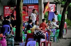 Hà Nội chưa hết dịch, tình trạng kinh doanh ở vỉa hè đã tràn lan