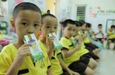 Đà Nẵng cho học sinh uống sữa học đường ngay ngày đầu tựu trường