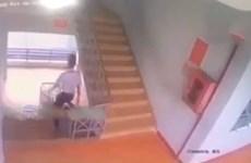 Đồng Nai: Một học sinh ngã tử vong do ngồi trượt lan can cầu thang