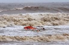 Đà Nẵng: Một tàu hàng cùng 15 thuyền viên mắc cạn trên vùng biển Nam Ô