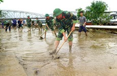 Thừa Thiên-Huế huy động lực lượng tổng vệ sinh môi trường sau mưa lũ