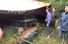 Sạt lở ở Hòa Bình: Nhiều ngôi mộ trong nghĩa trang bị sụt lún, vùi lấp