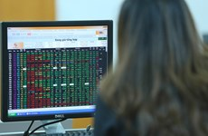 Chứng khoán Việt Nam ngập sắc xanh, VN-Index tăng gần 6 điểm
