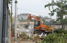 Cưỡng chế giải tỏa mặt bằng phục vụ các dự án công cộng tại Long Biên