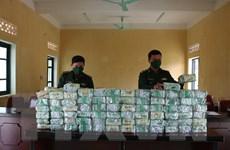 Nghệ An: Truy bắt các đối tượng trốn chạy bỏ lại 100kg nghi là ma túy