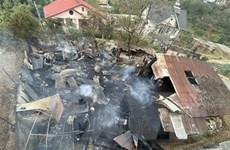 Cháy lớn thiêu rụi nhà kho chứa gỗ và làm hư hại 3 phòng trọ