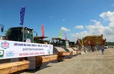 Dự án cao tốc Bắc-Nam: Thi công 2 gói thầu đoạn Phan Thiết-Dầu Giây