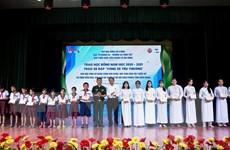 Trao hơn 200 suất học bổng cho học sinh khó khăn ở Kiên Giang