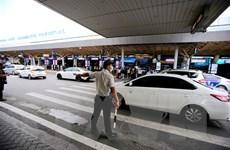Giảm ùn tắc nhờ phân lại làn xe ôtô trong Sân bay Tân Sơn Nhất