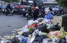 Hà Nội: Vì sao rác thải tồn đọng tại quận Nam Từ Liêm, Tây Hồ?