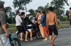 Bắt khẩn cấp hai đối tượng hành hung cảnh sát giao thông ở TP.HCM