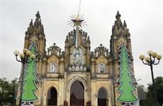 Thư chúc mừng đồng bào Công giáo và đồng bào theo đạo Tin Lành