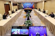 Thủ tướng Nguyễn Xuân Phúc hội đàm trực tuyến với Thủ tướng Ấn Độ