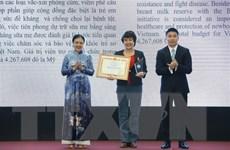 Liên hiệp hữu nghị trao bằng khen tặng 50 tổ chức phi chính phủ