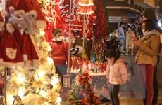 Thị trường mùa Giáng sinh: Giá cả tăng nhẹ, sức mua không mạnh