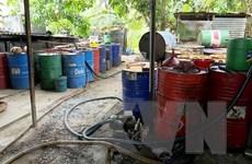 An Giang: Phát hiện cơ sở tái chế nhớt thải trái phép với số lượng lớn