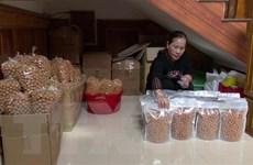 Làng nghề bánh nhãn gia tăng sản xuất để cung ứng trong dịp Tết