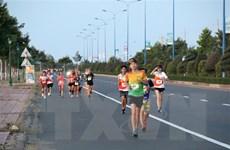 Gần 400 vận động viên tham dự Giải việt dã Mui Ne Dunes Marathon