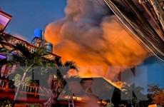 Thành phố Hồ Chí Minh: Cháy lớn tại kho vải ở huyện Hóc Môn