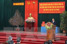 Thủ tướng Nguyễn Xuân Phúc thăm Sư đoàn Phòng không Hà Nội