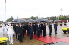 Lãnh đạo Đảng, Nhà nước thành kính tưởng nhớ Chủ tịch Hồ Chí Minh