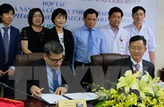 Đà Nẵng và Công ty AstraZeneca ký hợp tác về điều trị ung thư phổi