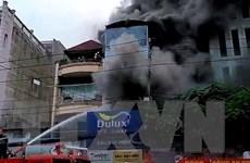 Thành phố Hồ Chí Minh: Cháy lớn ở cửa hàng sơn thiêu rụi nhiều tài sản
