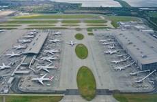 Sân bay Heathrow được phép tăng phí đỗ để bù đắp thiệt hại do COVID-19