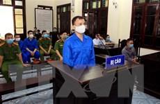 Thái Bình: Phạt tù 3 đối tượng cố ý dùng gạch ném vỡ kính xe khách