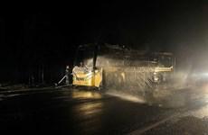 Đắk Nông: Xe khách giường nằm bị cháy rụi khi đang lưu thông