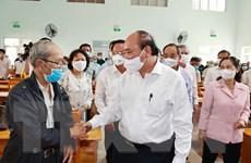 Chủ tịch nước tiếp xúc cử tri, vận động bầu cử trực tuyến tại Hóc Môn