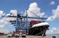 Các hãng tàu tiếp tục tăng giá, doanh nghiệp thêm khó khăn