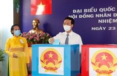 Cử tri TP.HCM, Vĩnh Long, Sóc Trăng, Quảng Ngãi nô nức đi bầu cử