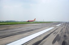 Yêu cầu bảo đảm tuyệt đối an toàn đường băng tại hai sân bay lớn