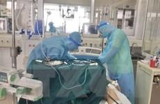 Nỗ lực đưa bệnh nhân COVID-19 thoát khỏi 'lưỡi hái tử thần'