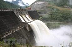 Xử phạt hai doanh nghiệp sử dụng nước mặt phát điện không phép