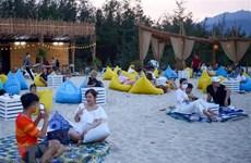 Đà Nẵng cho phép hoạt động tắm biển, bán hàng ăn tại chỗ từ 9/6