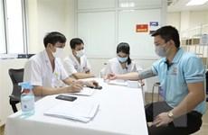 Hơn 240 tình nguyện viên tiêm thử giai đoạn 3 vaccine Nano Covax