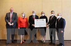 Các bang Đức tặng hàng trăm nghìn bộ xét nghiệm COVID-19 cho Việt Nam