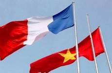 Các nhà lãnh đạo Việt Nam gửi điện mừng Quốc khánh Cộng hòa Pháp