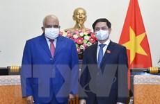Việt Nam-Cuba thúc đẩy chuyển giao công nghệ sản xuất vaccine