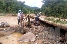 Áp thấp nhiệt đới cách Hà Tĩnh 120km gây mưa lớn tại Trung Bộ