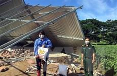 Sóc Trăng: Tặng quà và giúp dân khắc phục hậu quả lốc xoáy