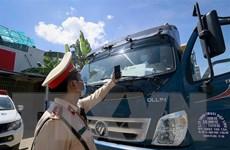 Vận chuyển hàng hóa: Nhiều chốt kiểm soát dịch vẫn bắt xe quay đầu