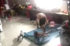 Bình Dương: Điều tra vụ bé trai 5 tuổi bị đánh đập, giẫm đạp lên người